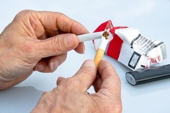 Почему Минэкономразвития против запрета дешевых сигарет