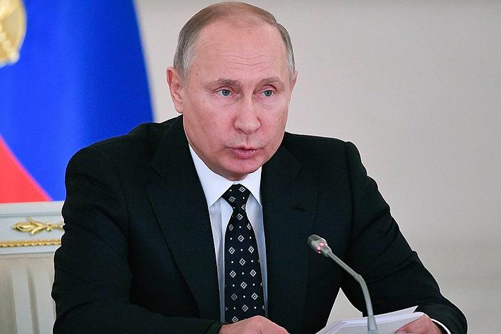 Путин заявил, что объем поддержки семьям с детьми составит 2,7 трлн рублей за шесть лет