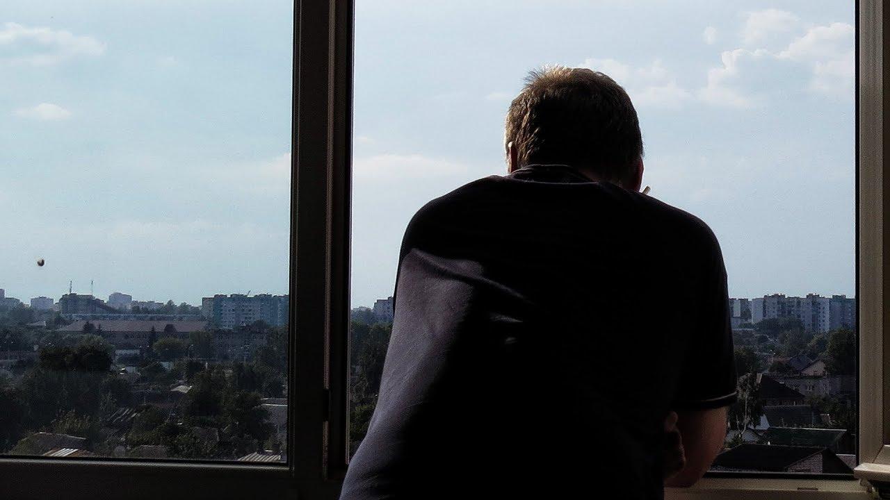 Случайно закрыла на балконе мужа...