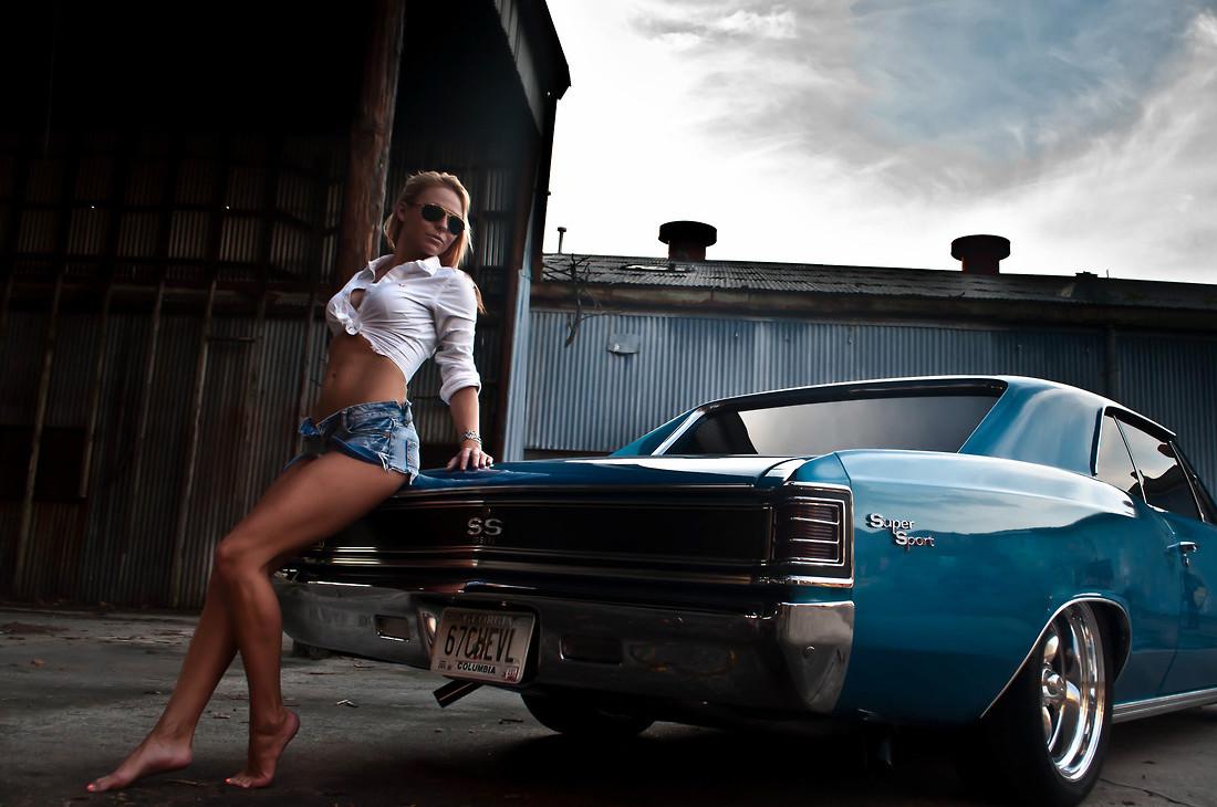 девушки и авто 18 фото