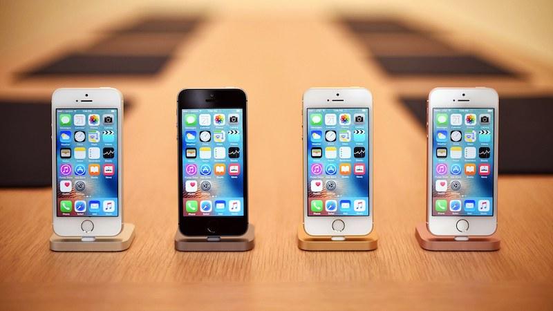 «Лопаты» надоели? 5 лучших компактных смартфонов новости