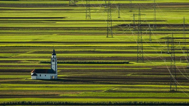 """""""Страна расположена в Центральной Европе, рядом с Австрией, Италией, Хорватией и Венгрией. Это означает, что вы можете легко посетить несколько стран за один отпуск, без каких-либо усилий"""", - пишет фотограф. в мире, красивый вид, пейзаж, природа, словения, страны, фото, фотограф"""