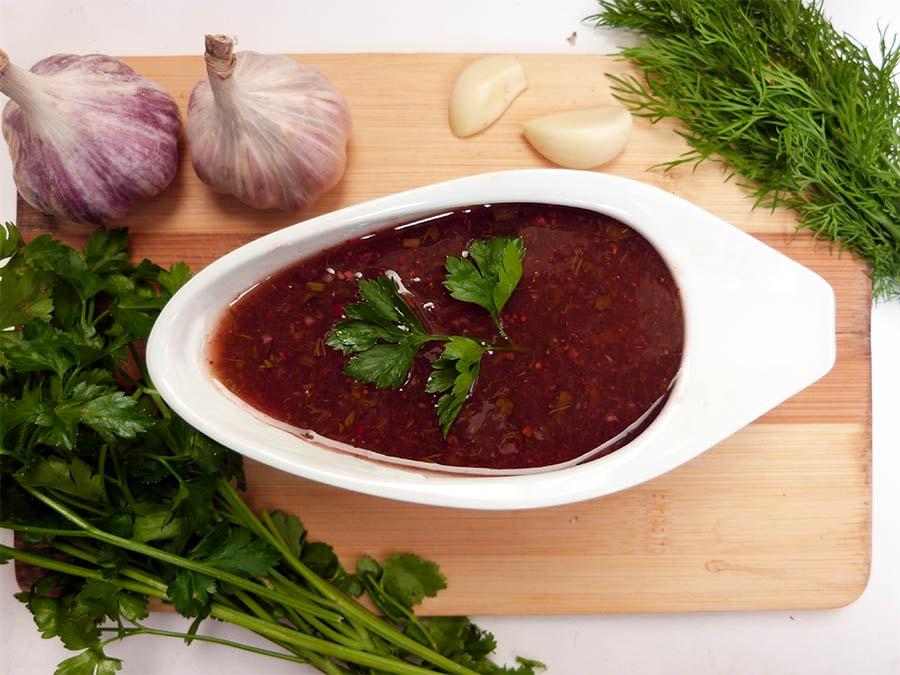 Вкусный абхазский соус из красной алычи