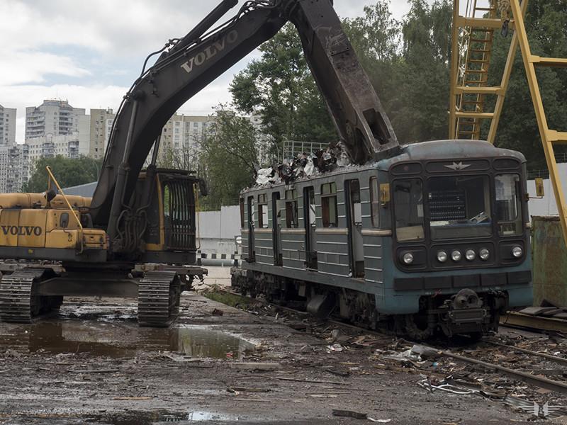 Как умирают вагоны московского метро вагон, метро, москва, утилизация