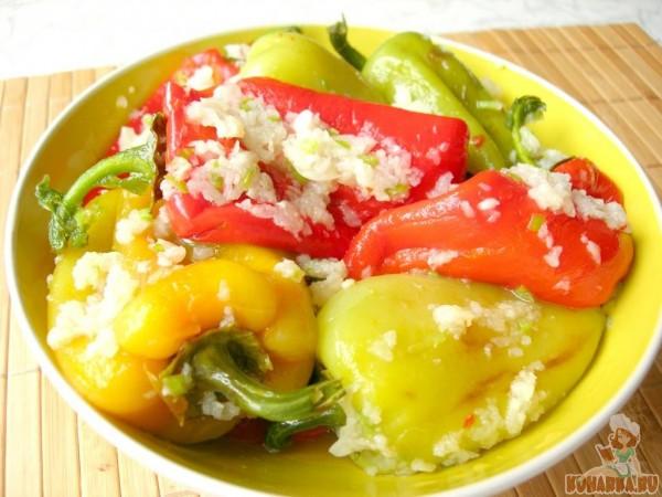 Острая закуска - жареный болгарский перец в чесночном маринаде закуски,кулинария