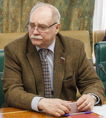 Бортко и Скляр отреагировали на слова Макаревича о превращении россиян в дебилов