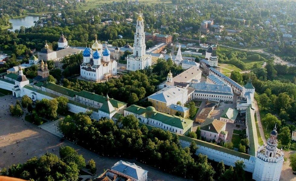 Шедевр архитектурного искусства: Троице-Сергиева Лавра