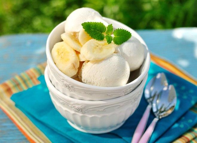 Банановое мороженное