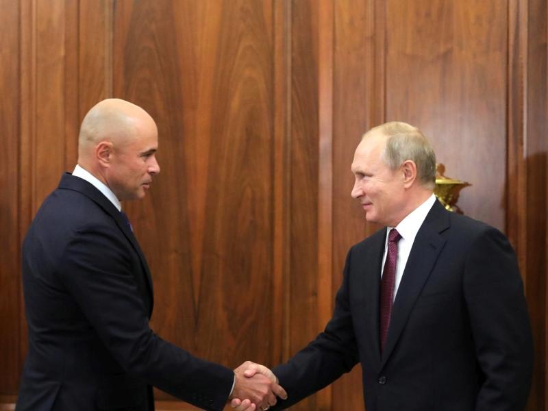 Чем владеют чиновники, советующие россиянам ничего не просить у государства