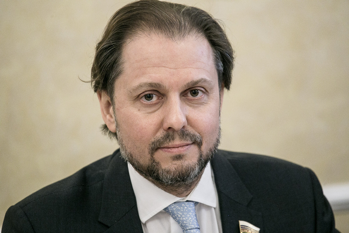 ПФР лишить поездок за границу, а деньги отдать пенсионерам: Депутат Госдумы выступил с революционным предложением
