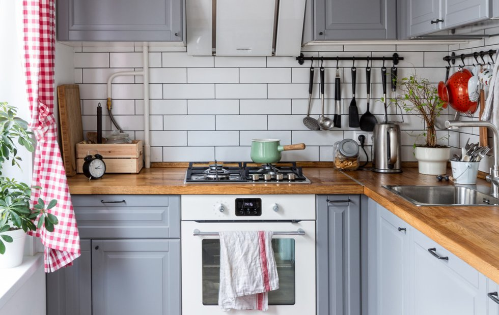 Личный опыт: как оформить хрущевку с крошечной кухней