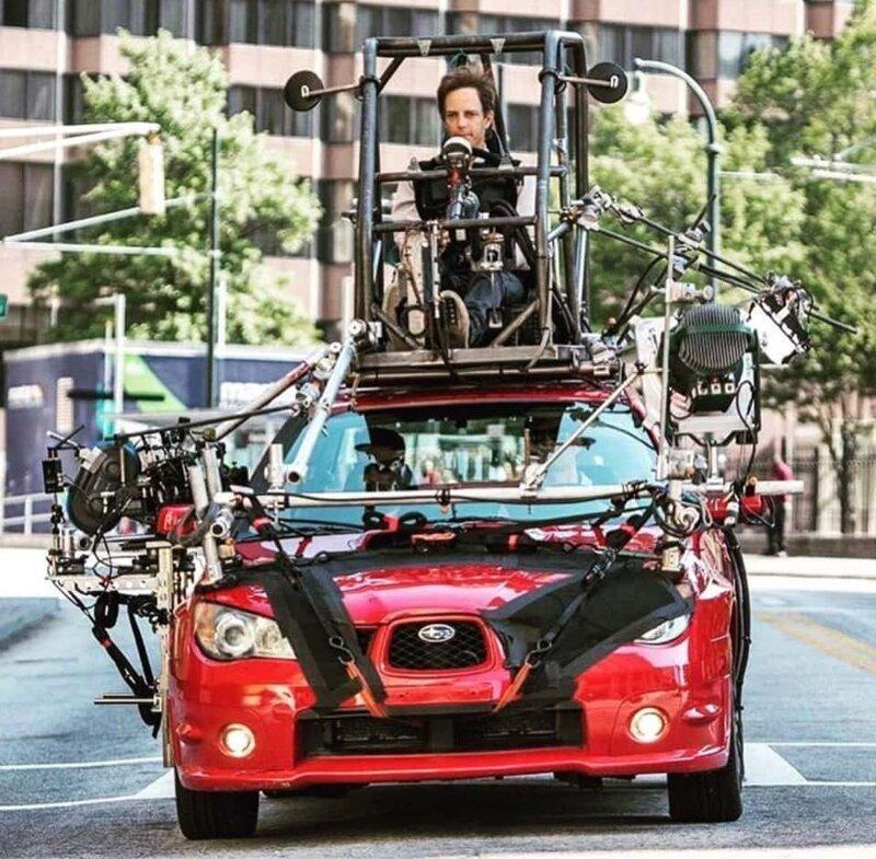 11. «Закулисье фильма «Малыш на драйве». Пока актёры в кадре, настоящий водитель сидит на крыше машины» в мире, вещи, кадр, красота, подборка, удивительно, фото