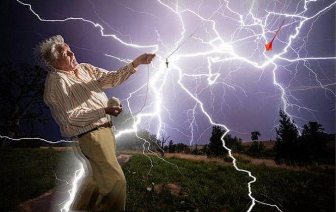 Мужчина и электрический разряд
