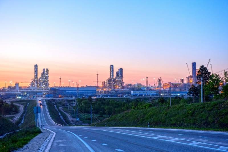 Экономист предсказал скорый отказ России от поставок газа для химической промышленности ЕС