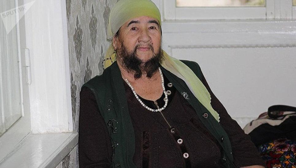 Казахская пенсионерка похвас…