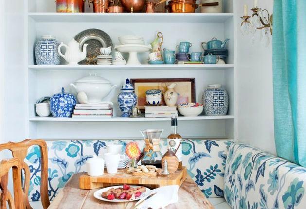 Кухня в цветах: бирюзовый, белый, бежевый. Кухня в стилях: американский стиль.