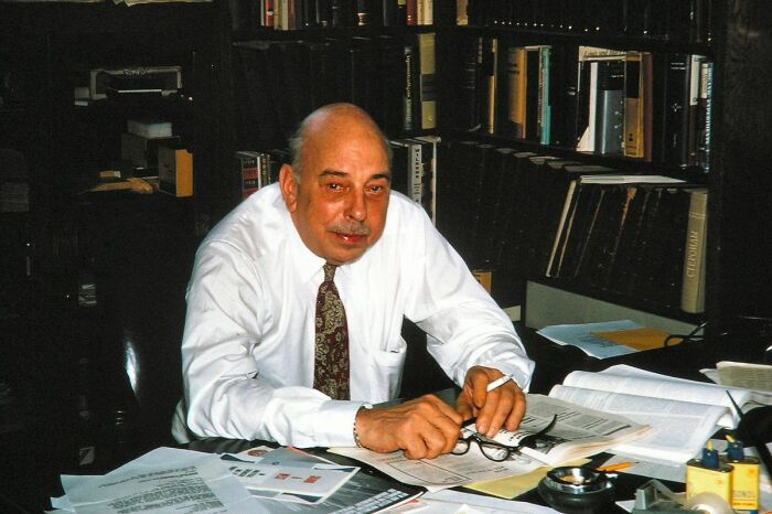 Луиз Фрезер - создатель напалма. /Фото: wikiyy.com.