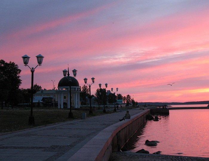 В Новосибирске торжественно открыли Михайловскую набережную после реконструкции