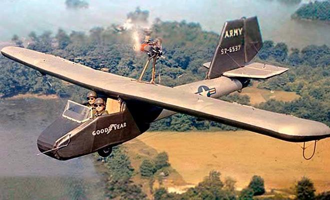 В 1956 году американцы создали надувной самолет для шпионов. Он помещался в багажник машины