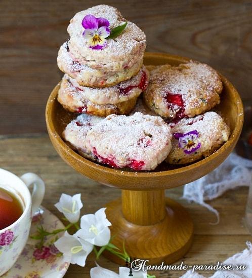Клубничное печенье с базиликом.