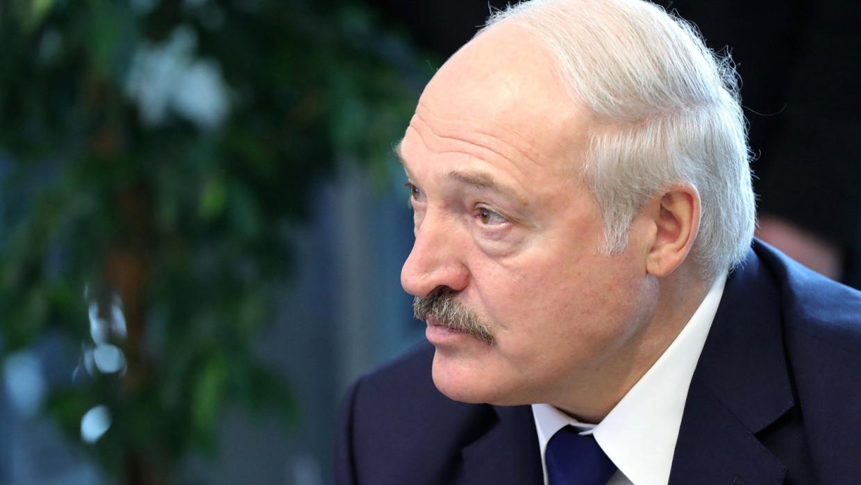 Лукашенко сообщил Путину об антибелорусском терроре Запада Политика