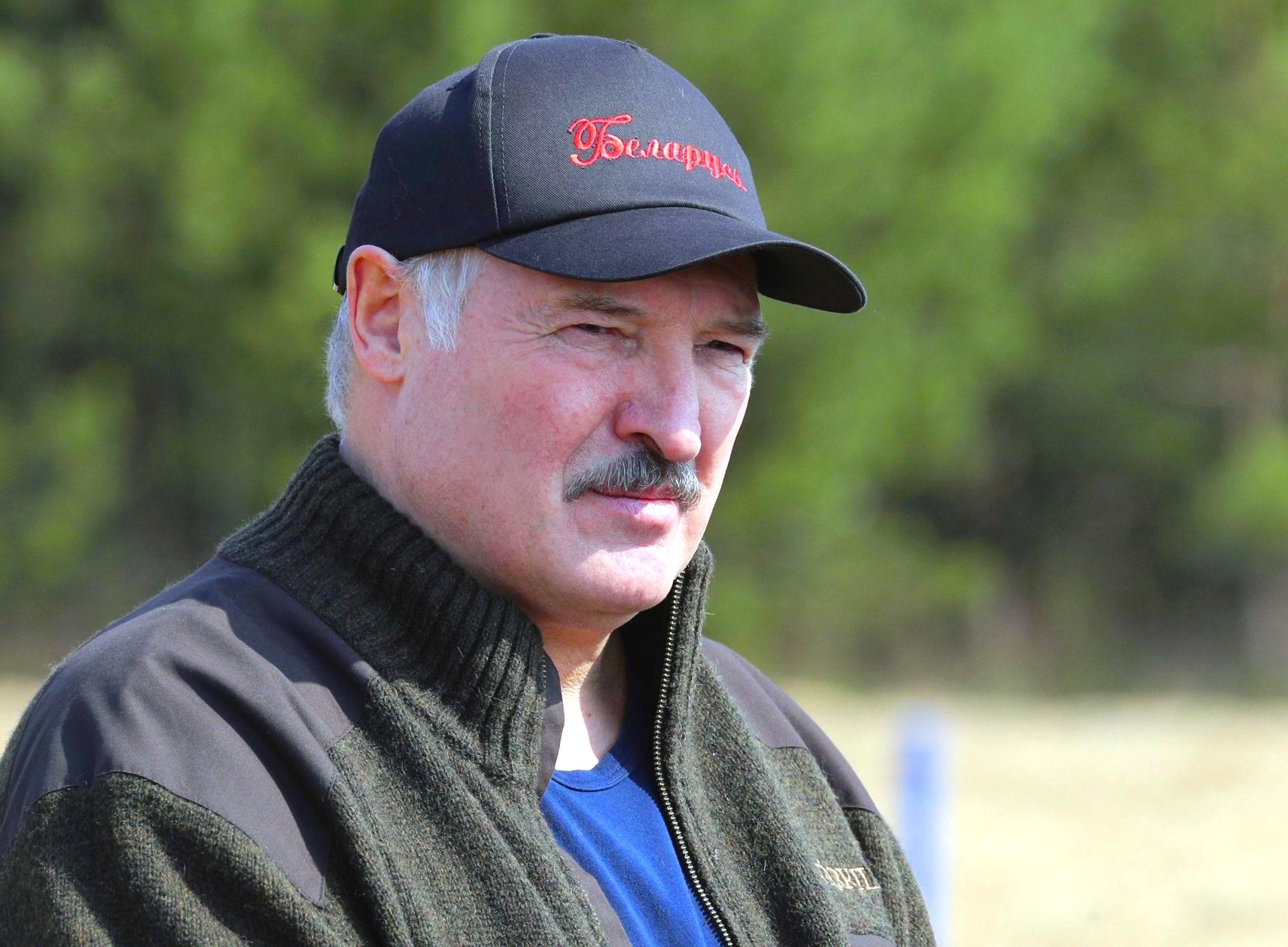 Лукашенко заявил, что колючая проволока не остановит людей на границе РФ и Белоруссии Александр Лукашенко,Беларусь,Граница,Политика,Мир,Россия