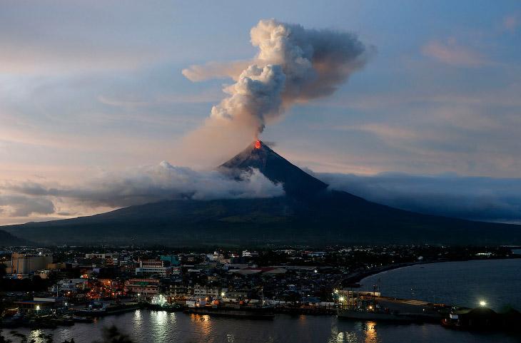 В январе на Филиппинах началось извержение вулкана Майон