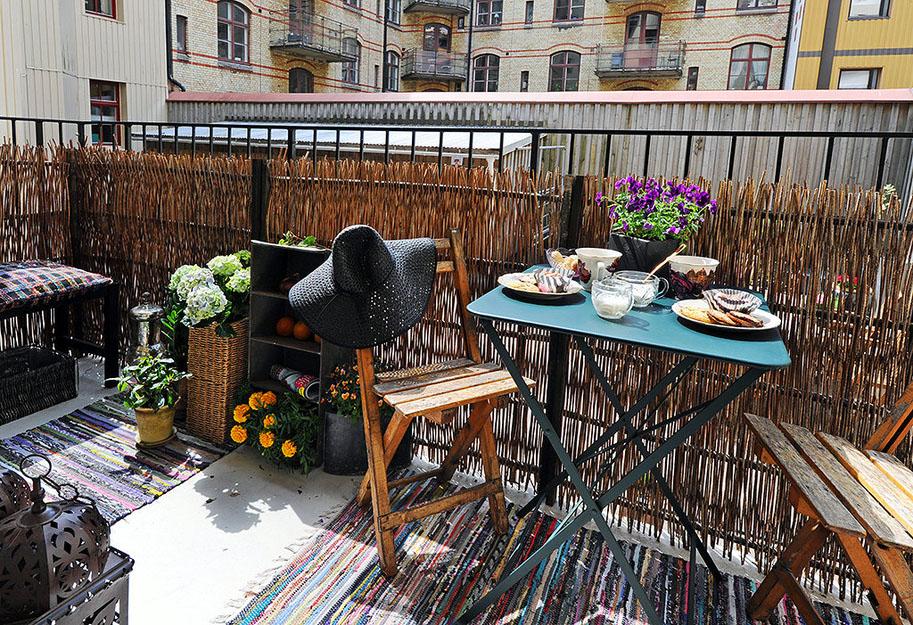 19-interesnyx-idej-dlya-malenkogo-balkona-12