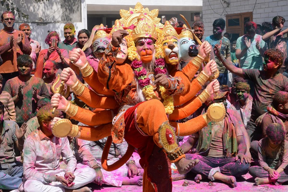 фото индийских праздников сложный способ укладки