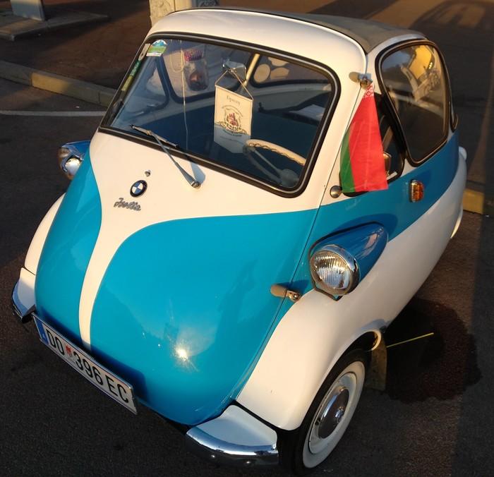 Вот такая BMW Isetta была проездом у нас в городе. Авто, BMW, Isetta, Путешествия, Туризм, Раритет, Машина, Отдых