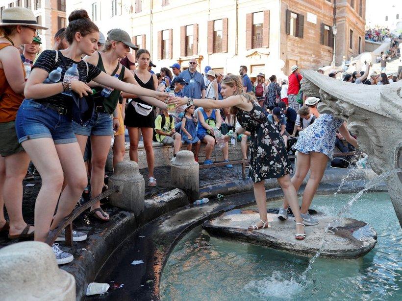 15 фото, демонстрирующих, что сделала аномальная жара с миром этим летом
