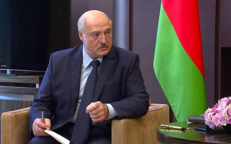 Непрекращающиеся протесты в Минске заставляют Кремль думать об отставке Лукашенко Новости