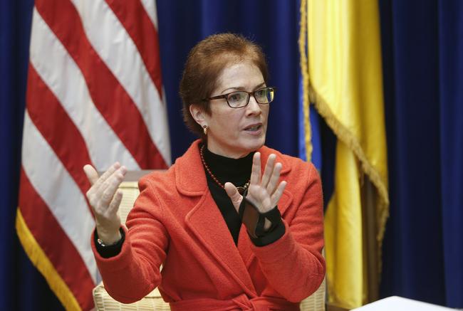 Зрада: США заставляют Украину платить пенсии жителям Донбасса