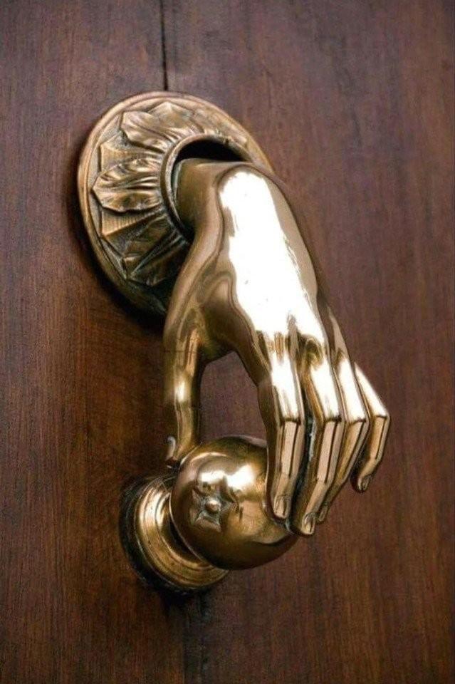 Дверные ручки как искусство