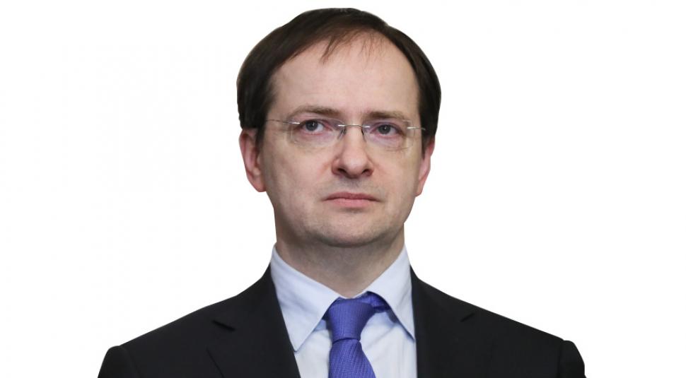 России нужен пантеон героев