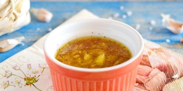 7 простых рецептов чесночного соуса кулинария,рецепты,соусы