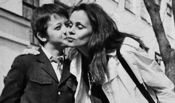 «Не смог простить»: сын Любови Полищук затаил детскую обиду на мать дети звезд,истории,кино и тв,Любовь Полищук
