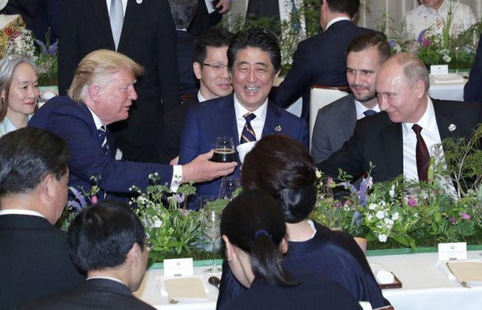 Банкет саммита G20 и термокружка Путина