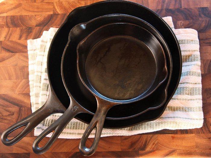 Простые способы избавиться от нагара на сковороде