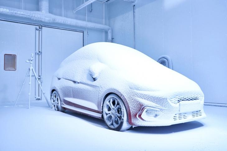 «Фабрика погоды» Ford стала одновременно самым жарким, холодным и высоким местом в Европе