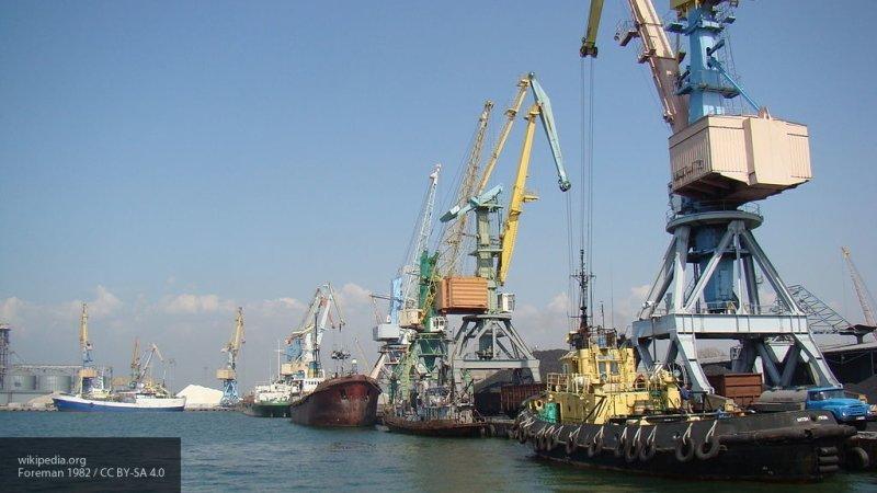 Госдума приняла закон об установлении тарифов в морских портах РФ