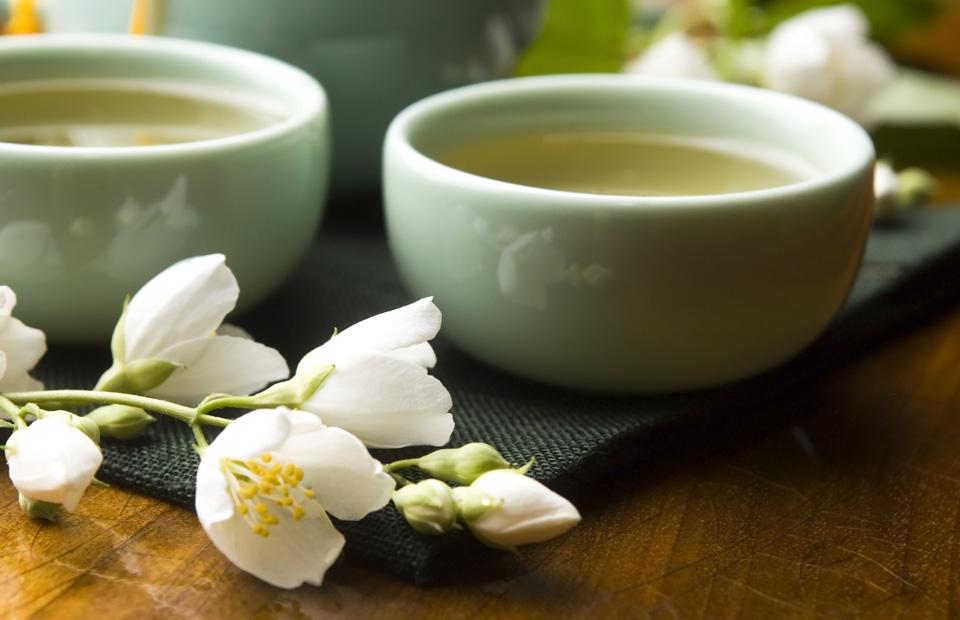 Выращиваем полезные добавки к чаю на своем участке