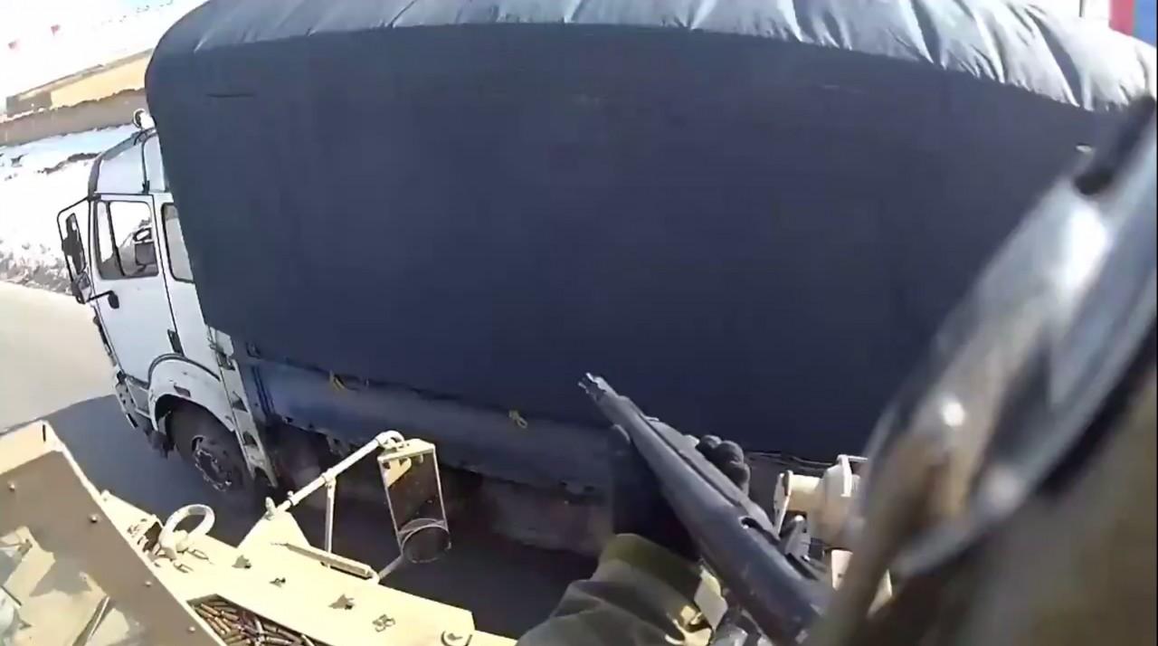 Спецназ США расстреливает водителя в Афганистане