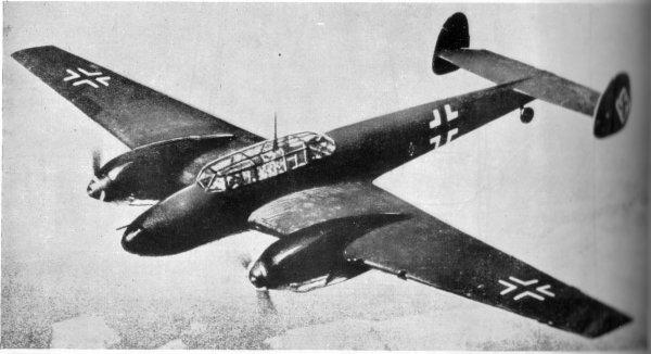 Британец с ранних лет рассказывал о том, что он раньше был летчиком Люфтваффе и погиб при крушении