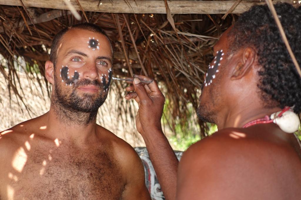 10 обрядов посвящения в мужчины у разных народов мира