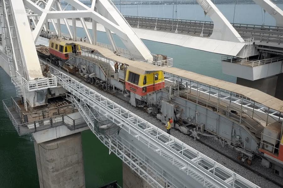 Ж/д Крымский мост запустят в декабре. Хуавей перейдет на российскую «Аврору»
