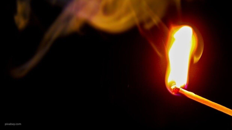 Пожилая петербурженка загорелась из-за неудачно прикуренной сигареты