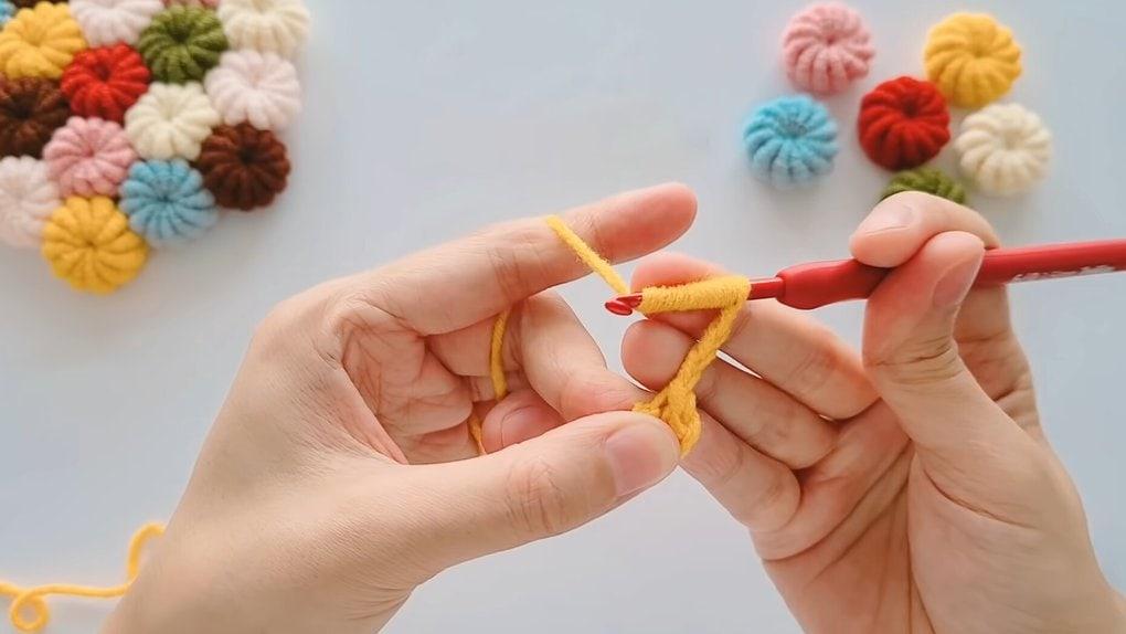 Необычная техника вязания крючком: закрученные цветы для любого изделия петли, петлю, сзади, кольцо, соединительной, петлей, Теперь, наберите, цветы, получиться, кольцеПоследнюю, делаем, первой, должно, накидамиВсего, помощью, технику, повторите, Вновь, соединяем