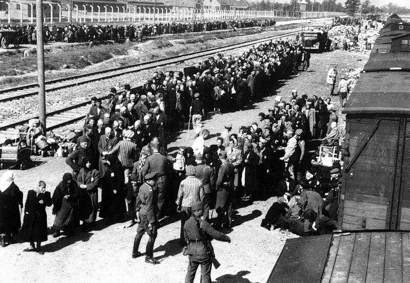 Прибытие заключенных в Освенцим #Фотографии, #история, #факты, .война
