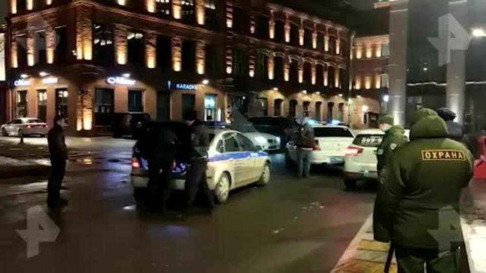 """Полицейские нашли оружие в """"Гелендвагене"""" стрелявшего в центре Москвы"""